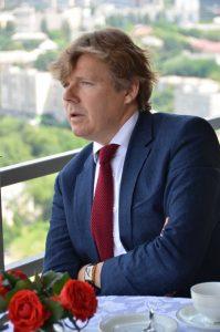 Obozrevatel: Баттервик и Пинчук за завтраком с Березовской